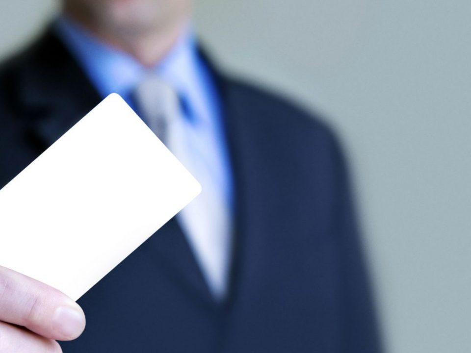 10 Reasons Why You Still Need Business Cards